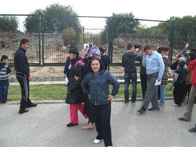 Engelliler Hayvanat Bahçesini Gezdi