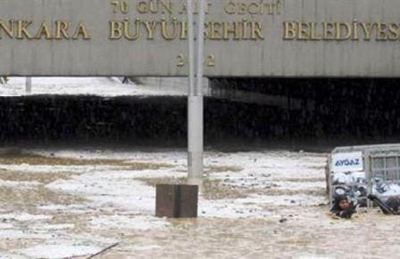 Etkili Yağış ve Sert Rüzgar Korkuttu
