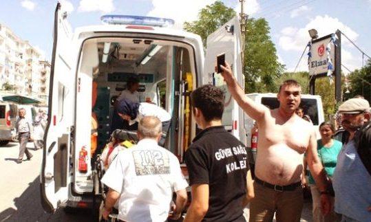 Kaza Sonrası Bıçaklı Kavgada 4 Kişi Yaralandı
