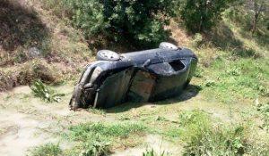 Otomobil Dereye Uçtu: 3 Yaralı
