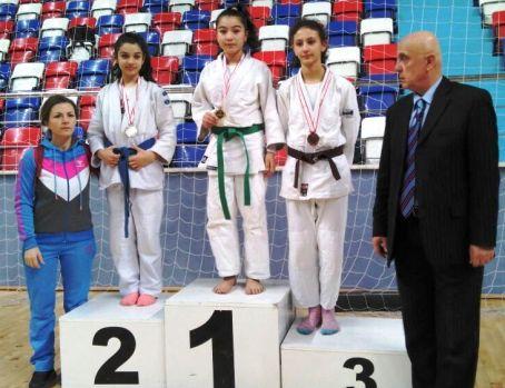 Judo Şampiyonu Çubuk'tan