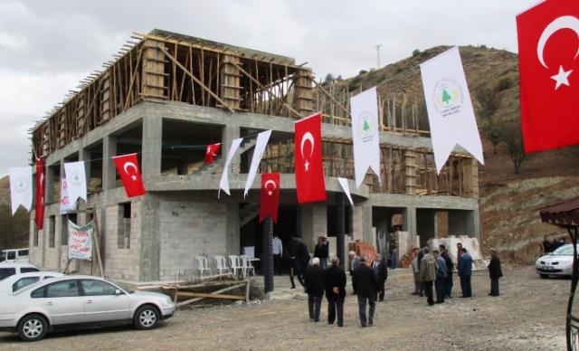 Yukari Obruk Yeni Cami ve Konak