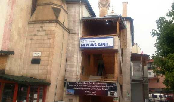 Mevlana Cami Minaresine Yildirim isabet etti