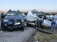 Baraj Yolunda Trafik Kazası 3 Yaralı