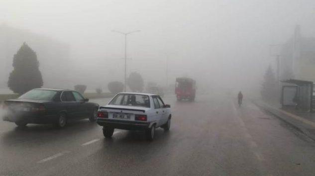 Çubuk'ta yoğun sis hayatı olumsuz etkiledi