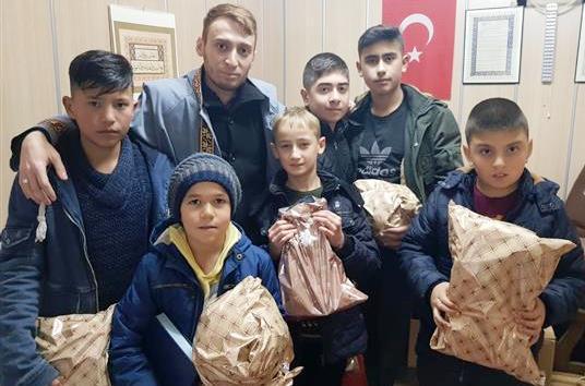 Çubuk'ta çocuklar tatilde camiye koştu, namazla buluştu