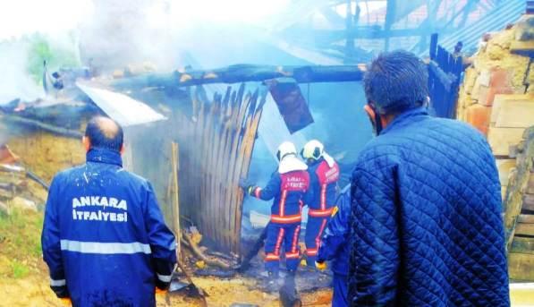 Ağılcık'ta ahır yangını korkuttu