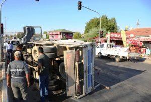 Domates kaza yaptırdı: 5 yaralı
