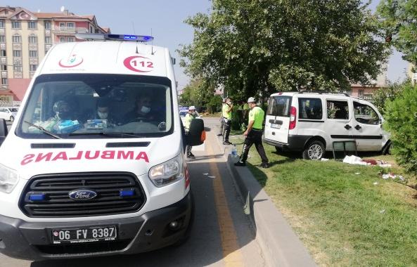 Ömürdede kavşağında kaza: 1 ölü, 1 yaralı